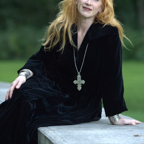 http://www.abuzzsupreme.it/wp-content/uploads/2018/01/Loreena-McKennitt-Approved-Photo.jpg